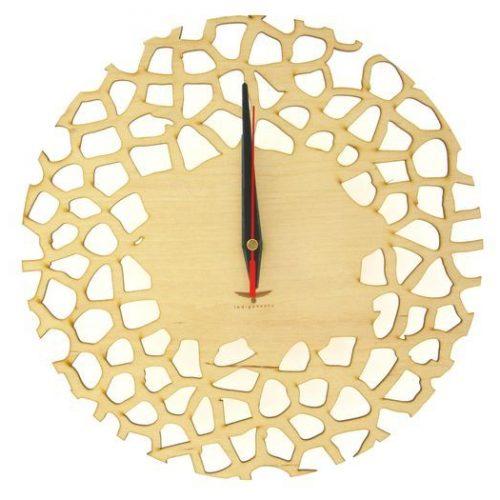 wood-clock-giraffe1-700