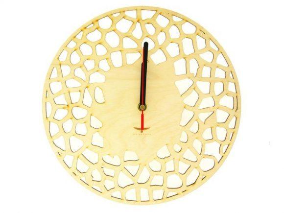 wood-clock-giraffe3-1-700