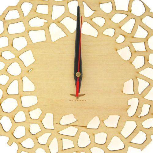 wood-clock-giraffe3