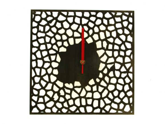 wood-clock-square-giraffe1