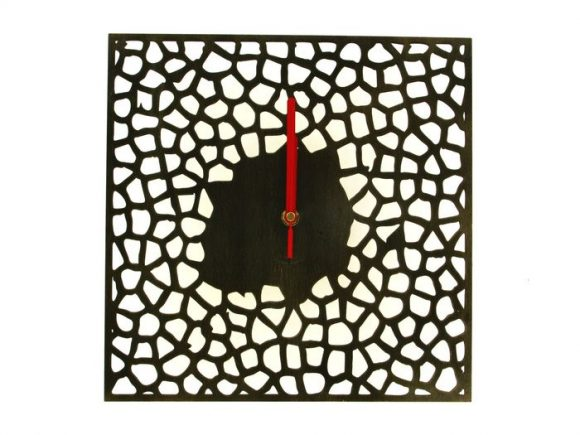 wood-clock-square-giraffe1-700