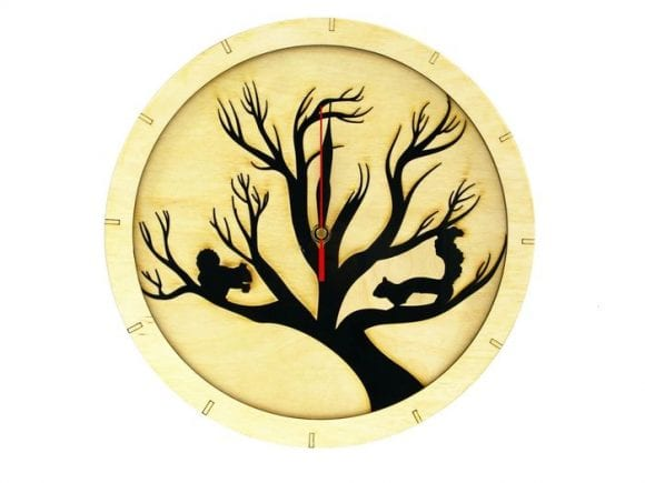 wood-clock-squirrel1-700