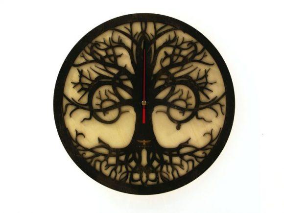 wood-clock-tree-reflection-700