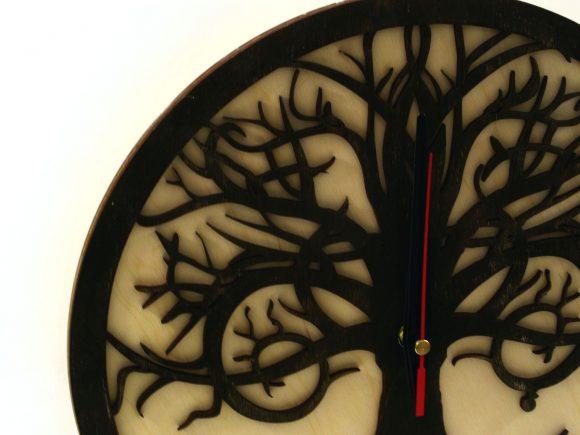 wood-clock-tree-reflection3