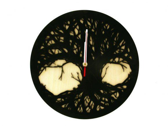 wood-clock-tree-scary1