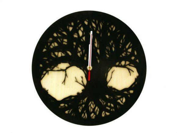 wood-clock-tree-scary1-700