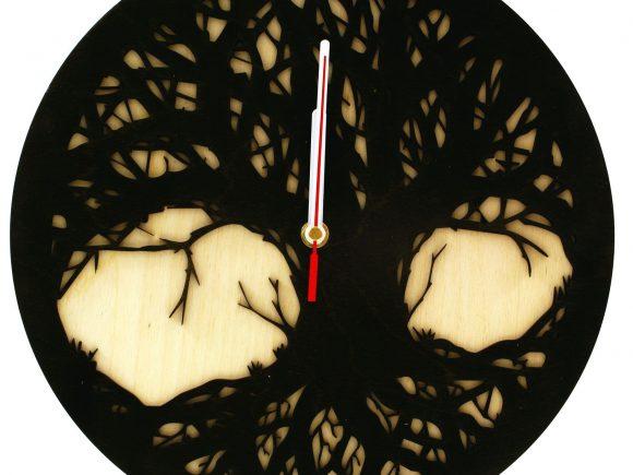 wood-clock-tree-scary2