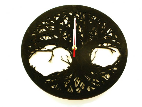 wood-clock-tree-scary3