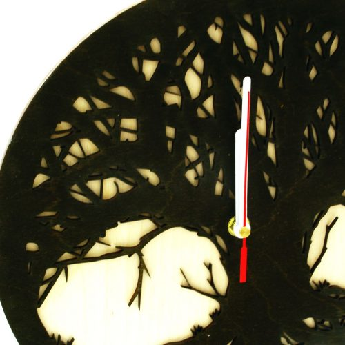 wood-clock-tree-scary4