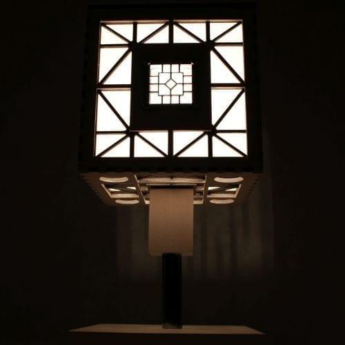 wood-lamp-cube4